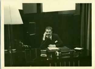Fernand Jacopozzi à son bureau