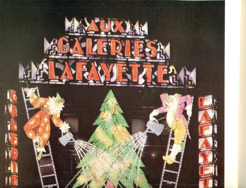 Eclairage des galeries Lafayette par Fernando Jacopozzi